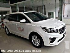 Bán xe Kia Sedona 2.2 AT Luxury sản xuất năm 2021, màu trắng