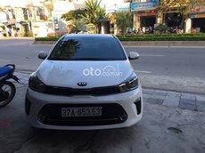 Bán ô tô Kia Soluto 2020, màu trắng chính chủ, 379tr