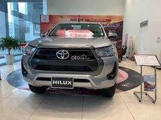 Bán ô tô Toyota Hilux AT đời 2021, màu bạc giá cạnh tranh