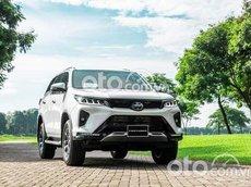 Cần bán xe Toyota Fortuner 2.7 4x4 AT sản xuất năm 2021, màu trắng