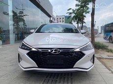Bán xe Hyundai Elantra năm sản xuất 2021, màu trắng