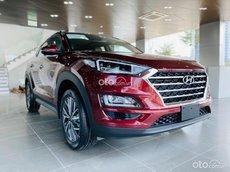 Bán Hyundai Tucson 2.0L xăng tiêu chuẩn sản xuất 2021, màu đỏ, giá 799tr