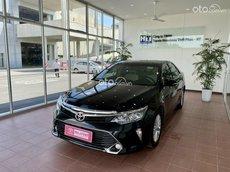 Cần bán gấp Toyota Camry 2.0 đăng ký lần đầu 2018 1 chủ, giá tốt