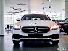 Bán xe Mercedes-Benz E180 giá tốt, đủ màu, chương trình quà tặng cực tốt