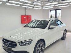 Cần bán xe Mercedes E180 AMG 2021, màu trắng