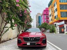 Cần bán xe VinFast LUX A2.0 đời 2019, màu đỏ