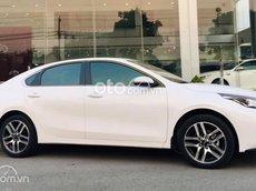 Kia Cerato giảm giá lên đến 65tr