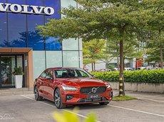 Volvo S60 2021 giao ngay trong tháng
