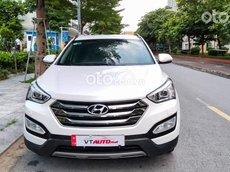 Cần bán lại xe Hyundai Santa Fe sản xuất 2010, màu trắng
