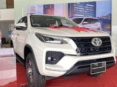 Toyota Fortuner 2021 1 cầu máy dầu số tự động, giảm giá tới 55 triệu, tặng bộ phụ kiện chính hãng, xe giao ngay