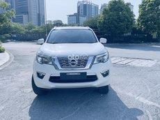 Nissan Terra S máy dầu số sàn 7 chỗ đời 2018 màu trắng