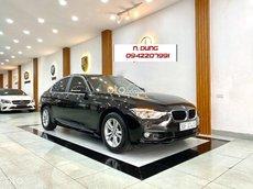 Bán ô tô BMW 320i 2018, màu đen, giá tốt