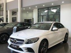 Mercedes-Benz C180 AMG, giảm 50% thuế trước bạ, tặng 2 năm bảo dưỡng, phụ kiện, bảo hiểm