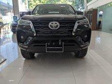Bán xe Toyota Fortuner đời 2021, màu đen