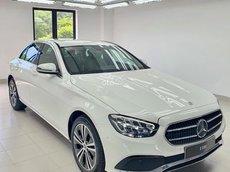 Mercedes-Benz E180 - tặng 2 năm bảo dưỡng - triết khấu lên tới 120 triệu - tặng bảo hiểm, phụ kiện