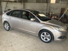 Chính chủ cần bán xe Ford Focus 1.8AT hatchback sản xuất 2013