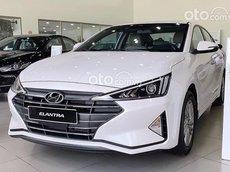 Hyundai Elantra đời 2021 giảm giá sốc mùa covid