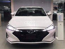 Hyundai Elantra MT 2021 giá chỉ 540tr