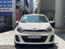 Xe Kia Rio 1.4AT Hatchback 2015, màu trắng