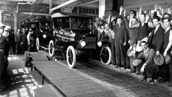 Ford tạo ra dây chuyền lắp ráp đầu tiên 104 năm về trước