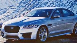 Jaguar XF 2017 giảm hơn 200 triệu đồng trong tháng 6/2017