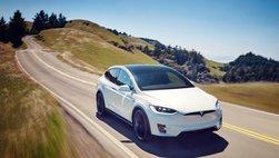 Cảnh sát Thụy Sĩ chơi sang khi mua Tesla Model X làm xe tuần tra