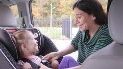 5 nguyên tắc người lớn cần nhớ khi chở trẻ em trên xe