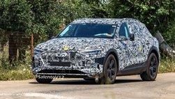 Audi E-Tron Quattro chạy thử với gương chiếu hậu xấu không tưởng