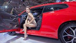 Ngất ngây ngắm mẫu Việt cá tính bên dàn xe Volkswagen tại triển lãm VMS 2018