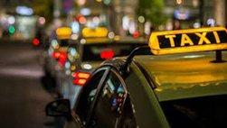 Từ 2019, taxi tại Hà Nội chỉ được dùng 3 màu xanh, ghi và bạc trắng