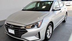 """Đại lý bán rẻ """"nốt"""" Hyundai Elantra đời cũ để đón phiên bản mới"""