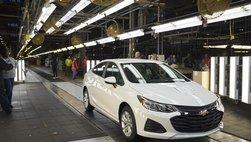 Kỳ lạ chuyện đại gia muốn mua hàng nghìn xe Cruze để cứu nhà máy của Chevrolet tại Mỹ
