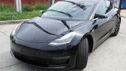 Tesla Model 3 âm thầm cập cảng Việt Nam