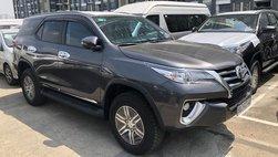 Đại lý hé lộ Toyota Fortuner lắp ráp mở bán vào tháng 7, xe nhập vẫn hút khách