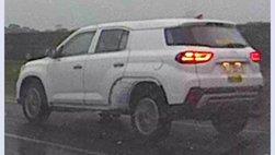Vừa ra bản nâng cấp, Hyundai Tucson bản 7 chỗ mới đã bị tóm gọn trên đường chạy thử