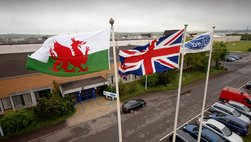 Ford đóng cửa nhà máy tại Anh khiến hàng nghìn người thất nghiệp