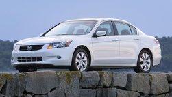 Kinh tế hồi phục chậm chạp, người Mỹ sử dụng xe lâu hơn