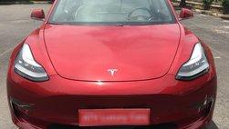 """""""Hàng nóng"""" Tesla Model 3 thứ 2 cập bến Việt Nam với ngoại thất đỏ rực"""