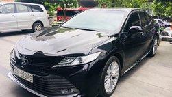 Toyota Camry 2019 đeo biển 'đại hạn' vẫn có khách trả 1,35 tỷ đồng