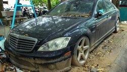 Số phận bi thảm của chiếc Mercedes-Benz S63 AMG 2011 bị bỏ hoang tại Hà Nội