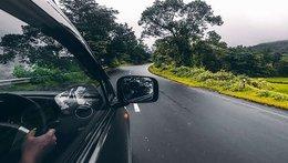 Những kinh nghiệm lái và chăm sóc xe trong mùa hè