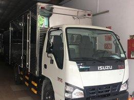 Bán Isuzu 2.5 tấn thùng kín 3.6m - KM: 9.4tr tiền mặt, máy lạnh, 12 phiếu bảo dưỡng, radio MP3