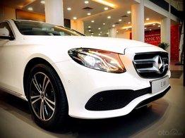 Mercedes Benz Haxaco Điện Biên Phủ, Mercedes E180 - giảm 100 triệu đến tháng 2, trả góp 80% - xe đủ màu giao ngay