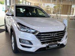 Cần bán Hyundai Tucson sản xuất 2021, màu trắng