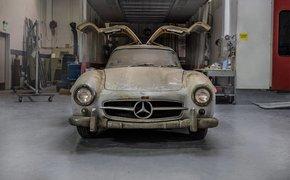 Mercedes-Benz 'đồng nát' từ thời 1954 đáng giá 100 tỷ đồng!
