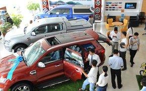 Cho vay mua ô tô, nhiều ngân hàng chấp nhận lao vào rủi ro