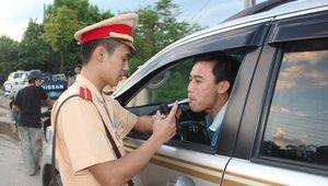 Nồng độ cồn cho phép khi lái xe tại Việt Nam hiện nay là bao nhiêu?