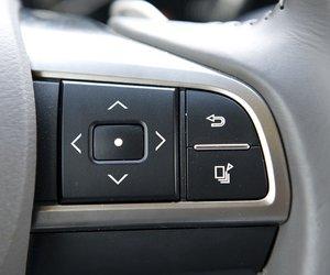 Đánh giá xe Lexus LX570: Các phím bấm chức năng.