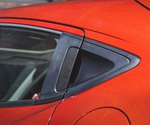 Đánh giá xe Honda HR-V 2019 L: Tay nắm cửa sau ở trụ C gần đuôi xe 1