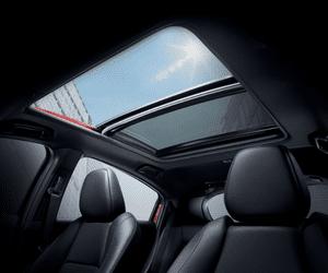 Đánh giá xe Honda HR-V 2019 L: Cửa sổ trời toàn cảnh 1